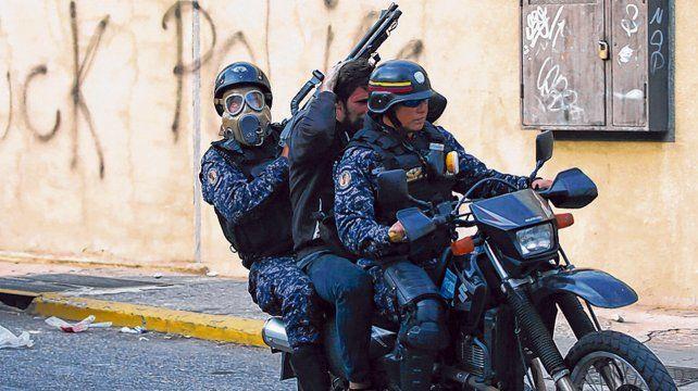 Represión. Las fuerzas militares y policiales del chavismo actúan con total impunidad.