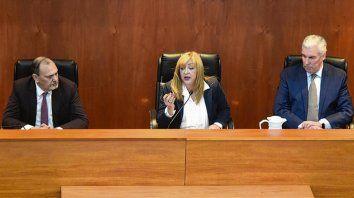 El tribunal integrado por los jueces Marcela Canavesio, Carlos Leiva y Rodolfo Zvala emitió un fallo por mayoría.