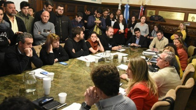 Debate en el Vasallo. Voces en contra y a favor se intercalaron en el salón de los acuerdos del Concejo.