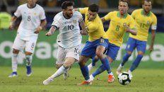 argentina jugo bien, pero no ligo, cayo ante brasil y se despidio del titulo