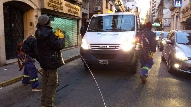 Un camión cortó los cables del trole y la línea K interrumpió su servicio
