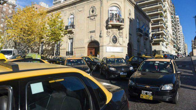 Los taxistas llegaron hasta el palacio Vasallo.