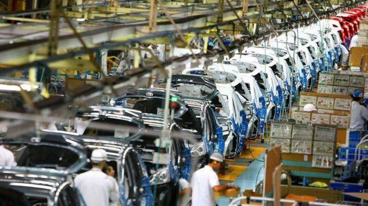 La producción de autos en junio cayó casi 40 por ciento interanual