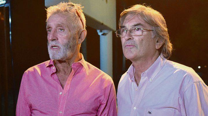 3 de abril. Facciano y Giraudo al salir de la reunión con la dirigencia en Bella Vista.