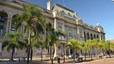 El gobierno provincial convocó a los gremios a la Casa Gris, en la capital de la provincia.