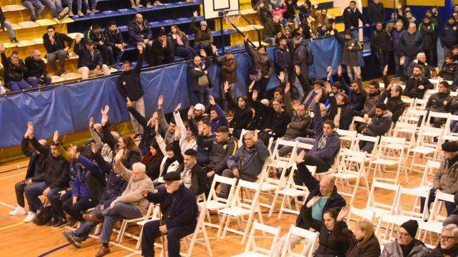 Tras una semana agitada, la asamblea de socios de Central aprobó el presupuesto