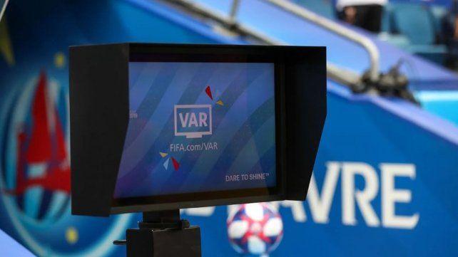 La AFA presiona a la Conmebol y pide los audios del VAR