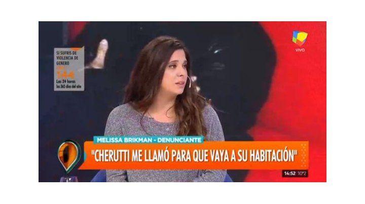 La bailarina que denunció a Cherutti estaba al aire y él la cruzó