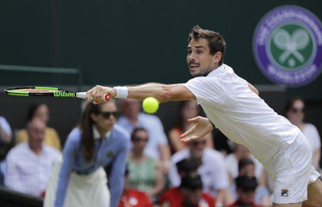 Pella venció al finalista del año pasado y se metió en los octavos de Wimbledon