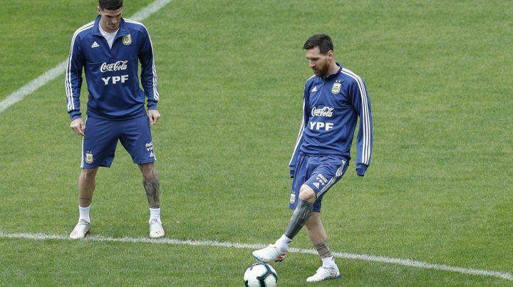 Ultima práctica. Messi y De Paul entrenan en el Pacaembú de San Pablo. Hoy sería titulares.