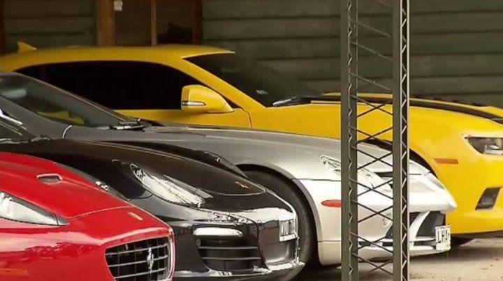 Varios de los autos de alta gama incautados al gremialista Balcedo.