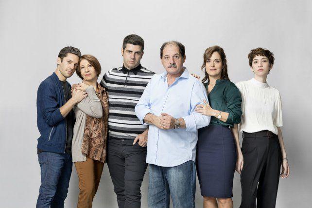 Chávez y todo el elenco.
