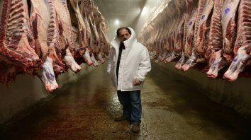 El gremio de la carne. Julio Chávez da vida a El Tigre Verón, un sindicalista que defiende a los empleados pero no escatima en ampliar su poder y su patrimonio.