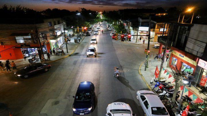Renovada. Rosario es de las ciudades que se sumó al programa y avanza con el recambio de luminarias.