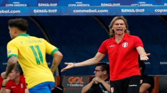 Se enfrentaron en fase de grupos. El DT argentino Ricardo Gareca sufrió un durísimo 0-5 ante el equipo de Coutinho (11) y compañía.