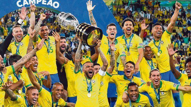 Festejo brasileño. Dani Alves