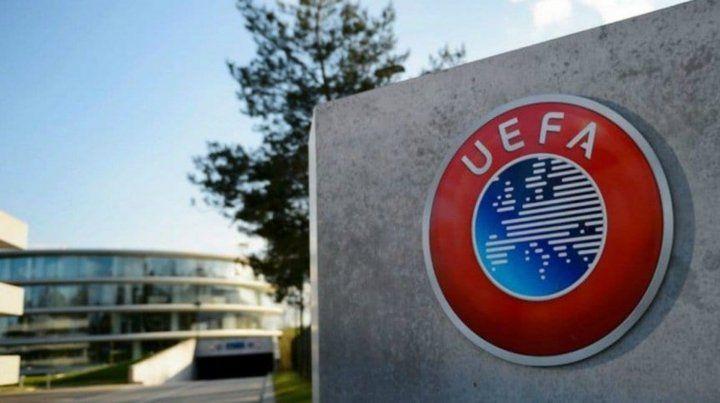 La Uefa negó que haya invitado a la AFA a participar en sus torneos