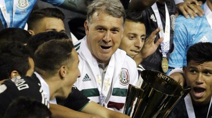 Con la Copa de Oro. El Tata Martino logró conquistar con México el certamen organizado por la Concacaf.