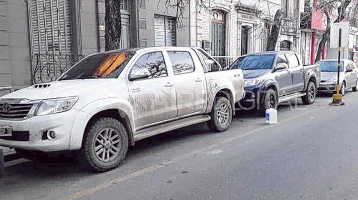 Recuperadas. Dos Hilux robadas en Santa Fe y Santo Tomé fueron halladas en Jujuy y devueltas a los dueños.