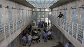 Se fue. Lucas Emanuel Romano recibió la autorización de partir de la cárcel de Piñero hace tres semanas.