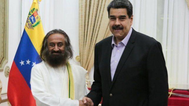Caracas. Maduro recibió al gurú espiritual indio Ravi Shankar.