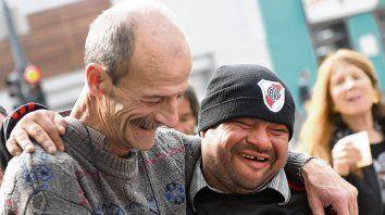Amigos. Alejandro Novillo (izquierda), impulsó el festejo. Ramón, feliz.