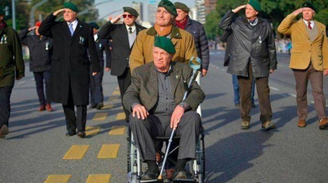 Aldo Rico en el desfile del martes.