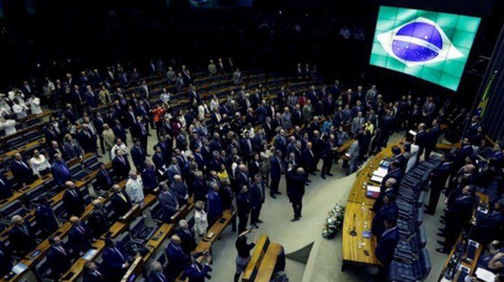 Los diputados brasileños introdujeron reformas y se aseguraron obras para sus territorios.