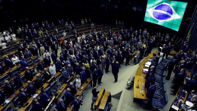 Brasil: Diputados aprobó el marco legal de la reforma previsional