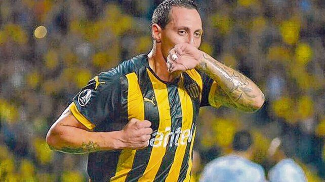 Vuelve. Cristian Lema jugó en Newells en 2010-2011. Su último paso lo dio en Peñarol