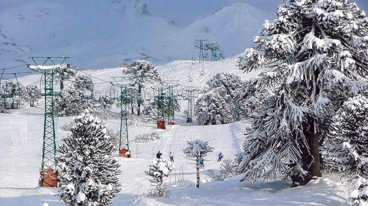 Rapidito para arriba. El Ski Resort Cerro Caviahue se caracteriza por no tener demoras en los medios de elevación y ofrece propuestas integrales para toda la familia.