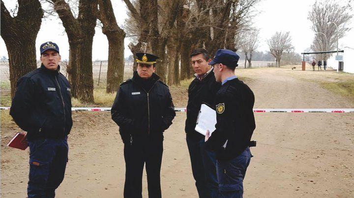 Hallan asesinado a un chico de 16 años en un cementerio