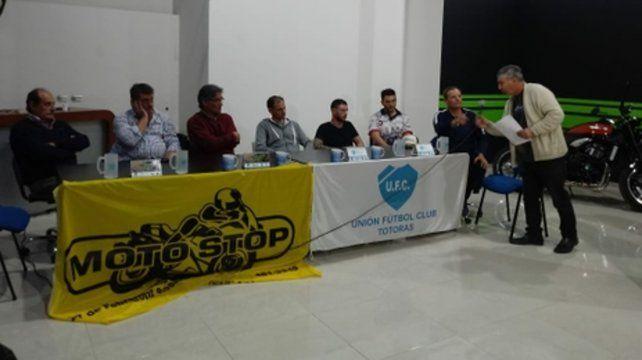 Presentación. La competencia regresa a Totoras y ayer se dieron los detalles en un local de motos de Pellegrini y Constitución.