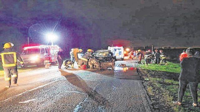 El siniestro ocurrió cuando el conductor cruzó de carril e impactó el auto en el que iba la víctima.