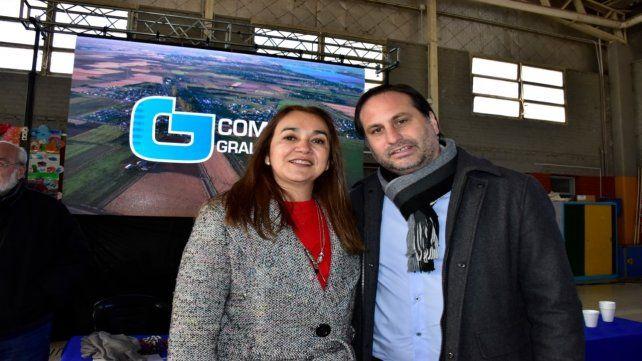 En sintonía. El jefe comunal Ferri y Gisela Wild