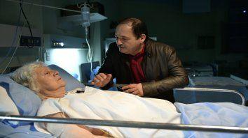 Emotivo. Chávez conmovió en la escena con su madre en el debut de la serie.
