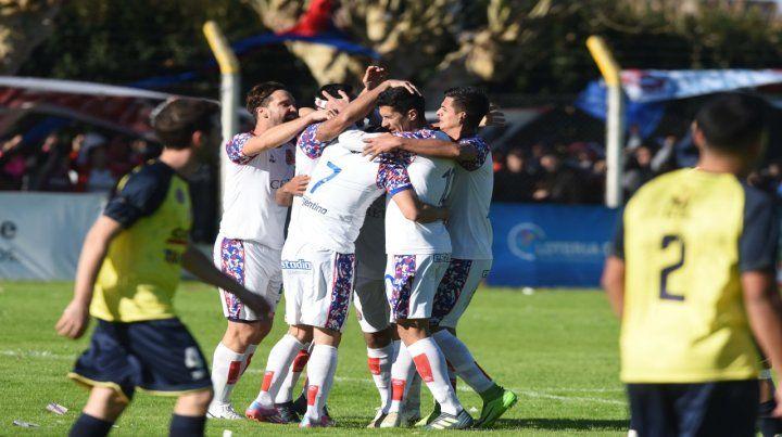 Por otro festejo. El equipo de Tablada viene de eliminar a Sportivo Bombal.