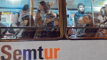 Todos a bordo. El balance de la Semtur también reveló que esa empresa perdió menos pasajeros que el resto del sistema.