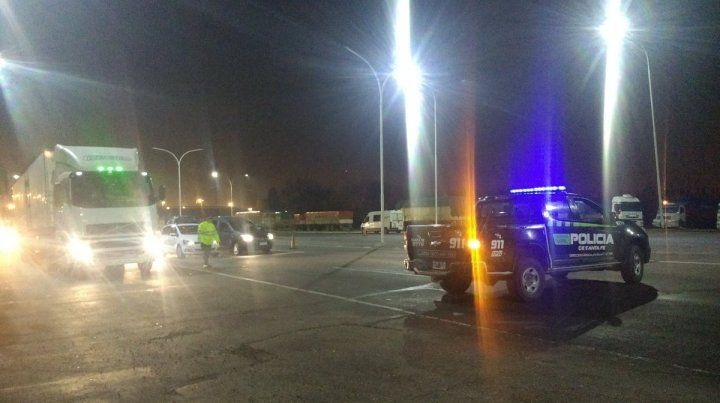 La colisión se registró en el kilómetro 5 de la autopista que une Rosario con la capital provincial.