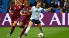 Estefanía Banini, figura de la selección en el Mundial, levantó la voz contra el cuerpo técnico.