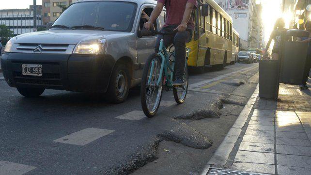 Los ciclistas piden bicisendas más seguras.