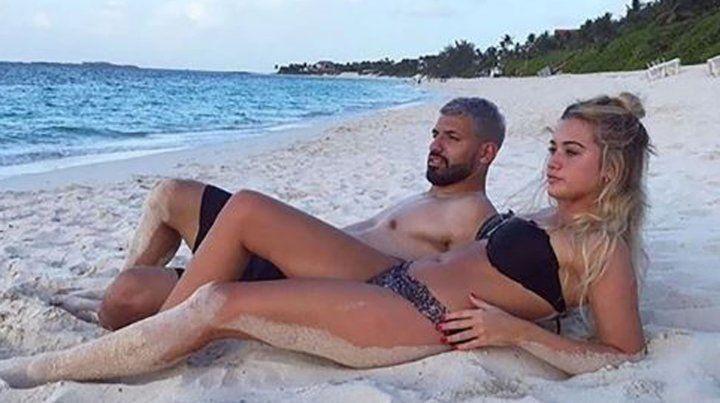 Las vacaciones ensambladas del Kun con su novia y su hijo