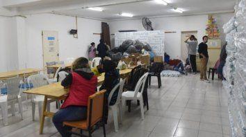 Alta demanda. Los voluntarios cumplen un rol muy importante en los refugios que dan amparo ante el frío.