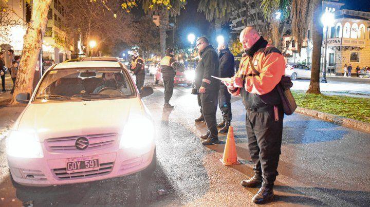 Durante todo el fin de semana se llevarán adelante operativos conjuntos entre efectivos policiales y agentes municipales.