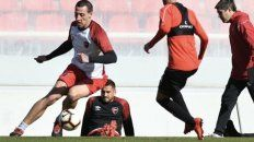 Lema, en acción. El zaguero, quien llegó desde Peñarol, hizo dupla con Fontanini.