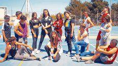 Chicos y chicas de una escuela secundaria de España alertaron sobre el mensaje que dejan algunas canciones.