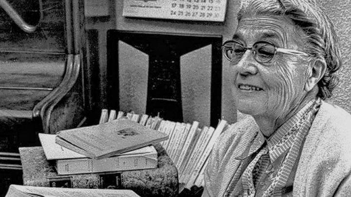 A pesar del arduo trabajo de toda una vida no fue valorada sino incluso criticada por la RAE.
