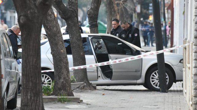Asesinaron a balazos a un hombre dentro de un automóvil en pleno Pichincha