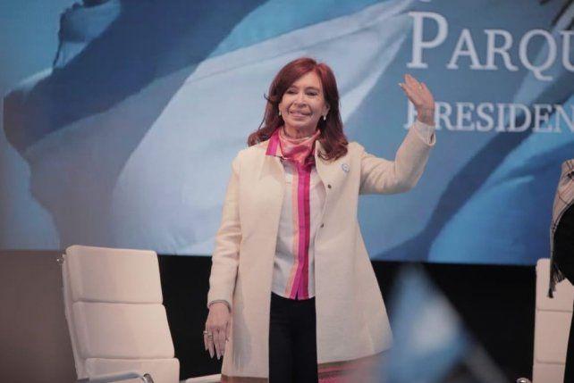 La Justicia dictó falta de méritos para Cristina en la causa por los subsidios al gasoil.
