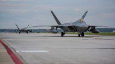 Los F-22 parten desde una base en Virginia con destino a Qatar, desde donde tendrán un rol de peso en el Golfo.